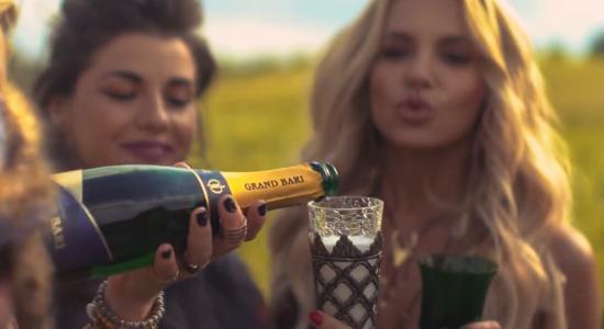 GRAND BARI sparkling wine in music video Dara Rolins  -Dúha